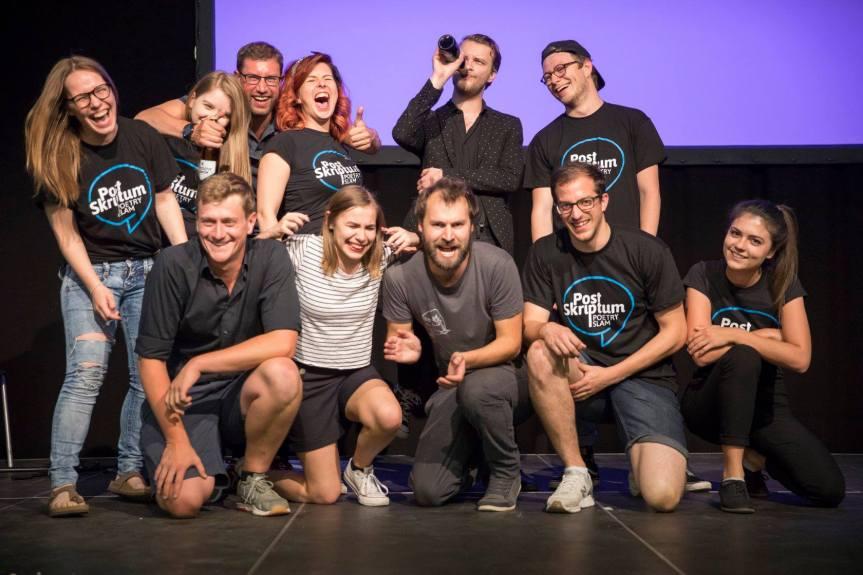 """""""Die Linzer Poetry Slam-Szene zeichnet sich durch ihre Diversität und Offenheitaus"""""""